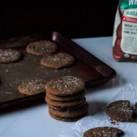 Crispy Vegan Gingerbread Cookies