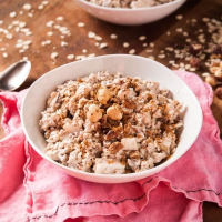 Vegan Swiss Oatmeal with Hazelnuts and Pears
