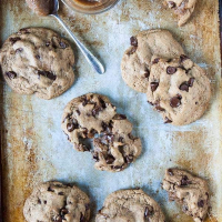 Caramel-Stuffed Vegan Chocolate Chip Cookies