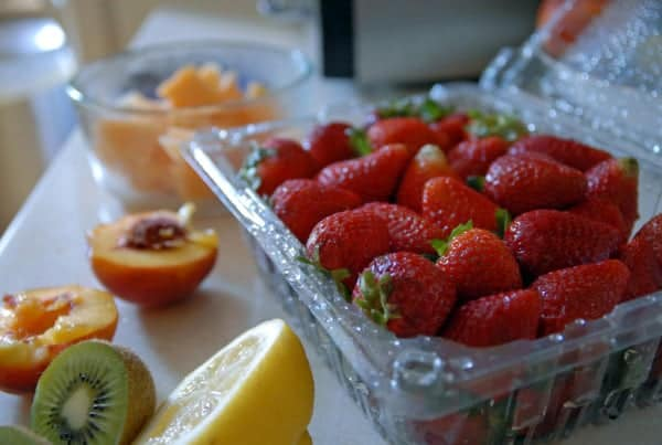 Summer Fruit and Strawberry Sangria | Heart of a Baker