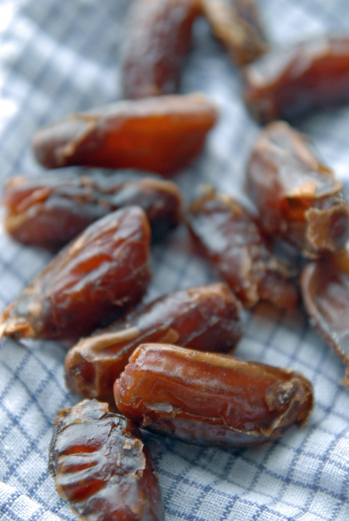 Date paste is a vegan lifesaver when it comes to baking. From making your own to buying ready-made, it's easier than you might think to bake with dates!