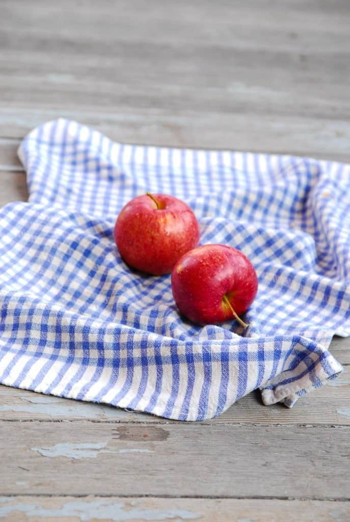 Caramel Apple Crisp with Streusel Topping