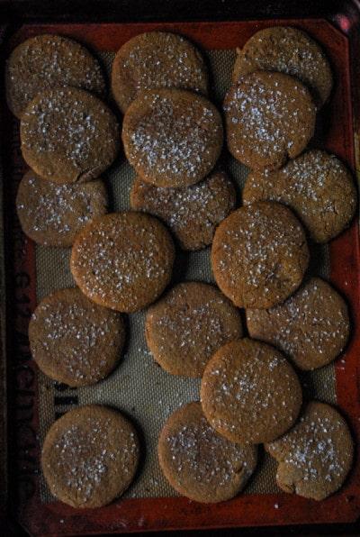 Crispy Vegan Gingerbread Cookies.// heartofabaker.com