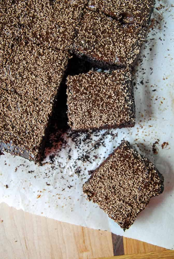 Cocoa Brownies with Chocolate Fudge Frosting//heartofabaker.com