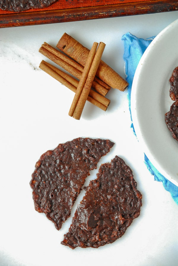 Mexican Chocolate Brownie Cookies//heartofabaker.com