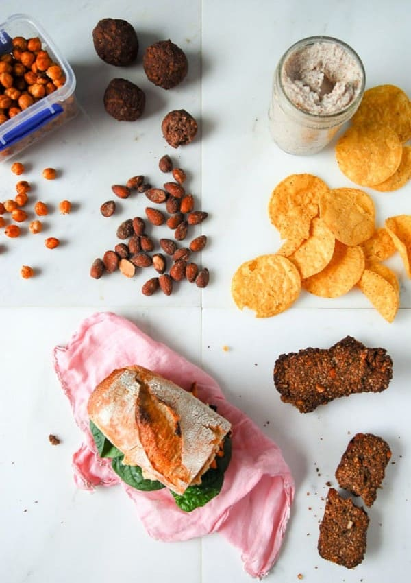5 Easy Vegan Travel Snacks