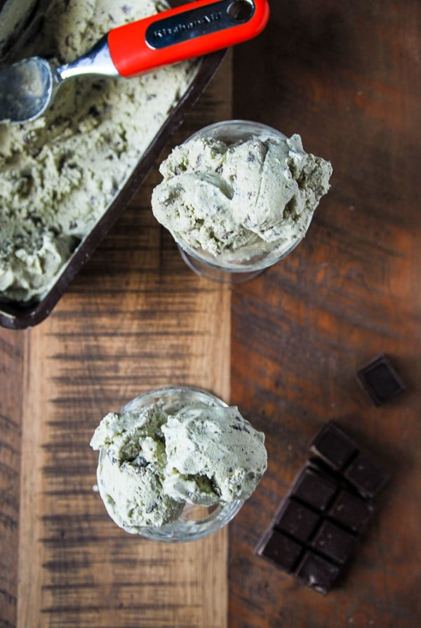Vegan Mint Chocolate Chip Ice Cream//heartofabaker.com
