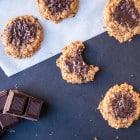 Flourless Peanut Butter + Chocolate Cookies //heartofabaker.com
