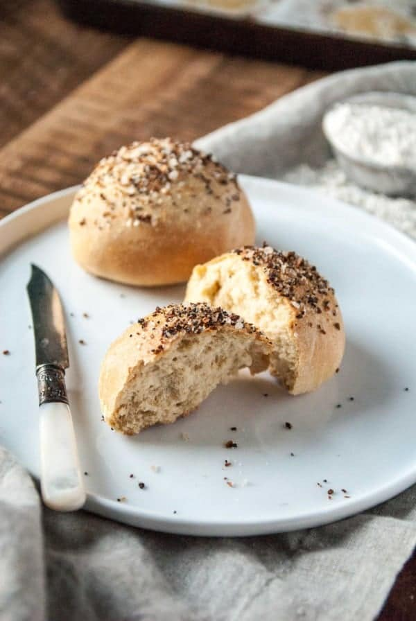 Looking for the ultimate vegan dinner rolls? These are easy, quick and topped with a perfect everything topping!