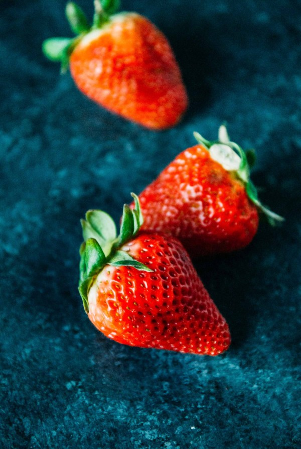 Vegan Strawberry Curd- A sweet and creamy vegan strawberry curd, using the best spring produce!