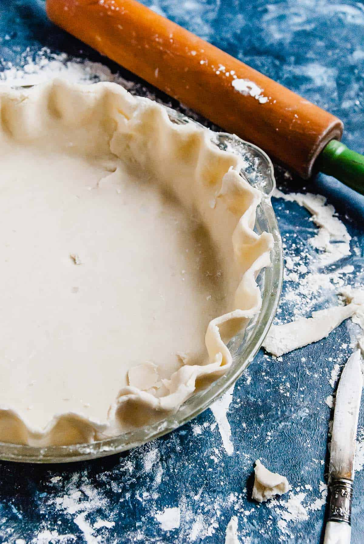 Wondering how to make the best vegan pie crust? This is the easiest vegan pie crust recipe made with coconut oil that is perfect for your next party!