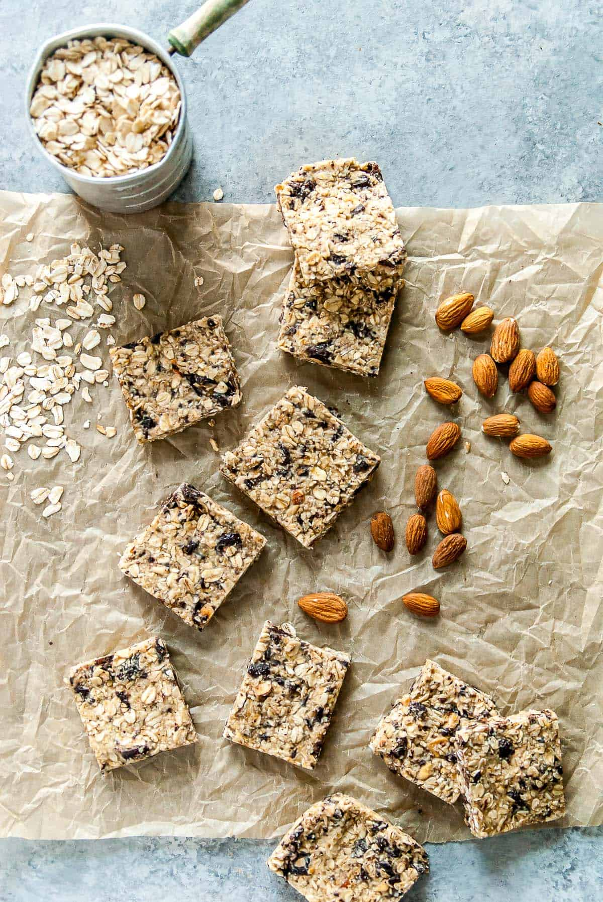 Quick and easy chocolate almond vegan granola bars, perfect for snacking or dessert! Vegan and can be made gluten-free.