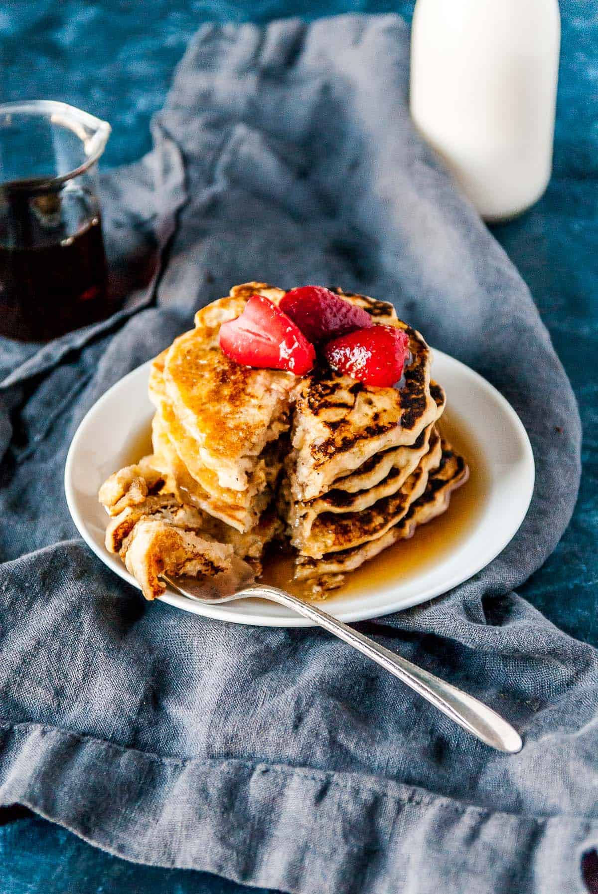 A filling and easy breakfast, these healthy vegan oat pancakes are the perfect way to start your day! Vegan and gluten-free.