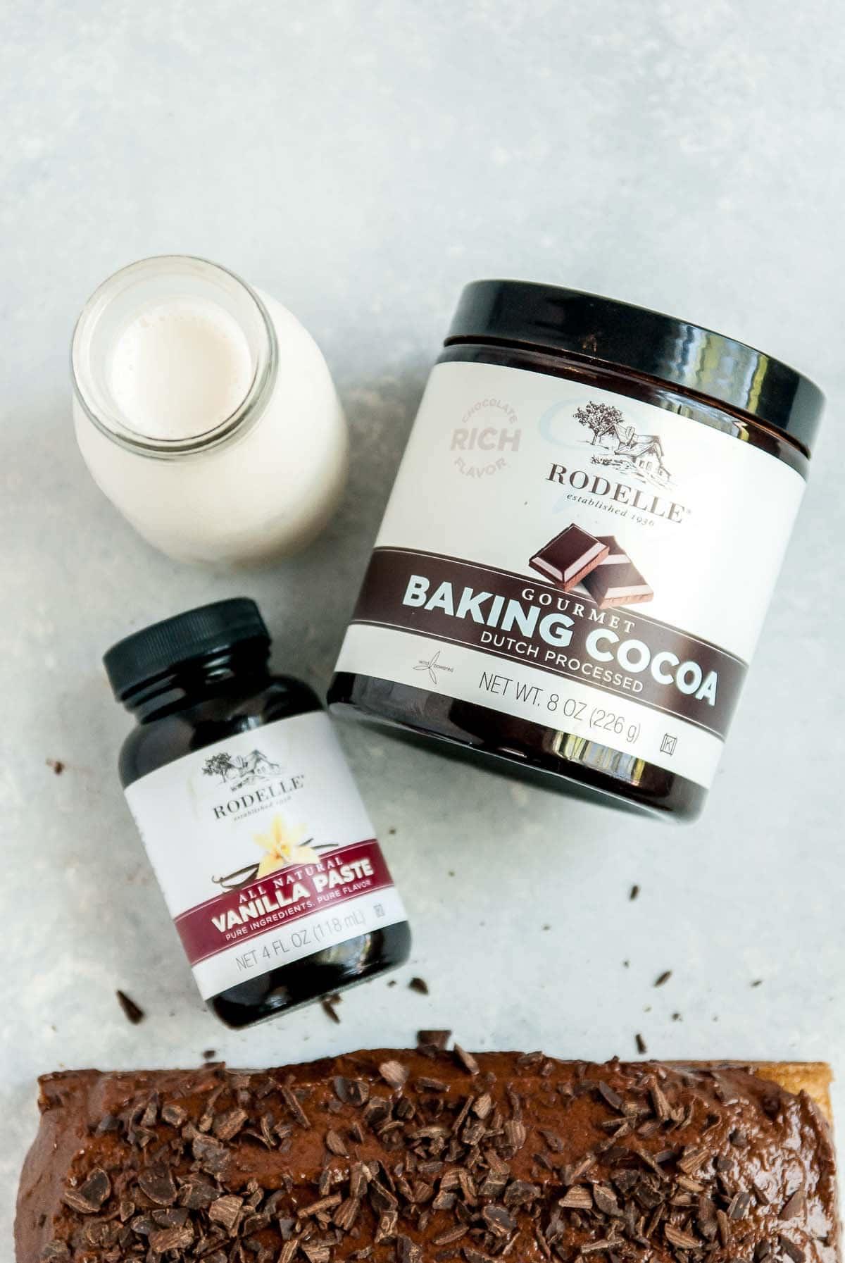 vanilla extract and cocoa powder with cake